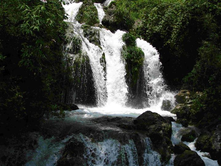壁纸 风景 旅游 瀑布 山水 桌面 720_540